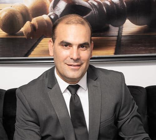 עורך דין גירושין יריב ואקנין